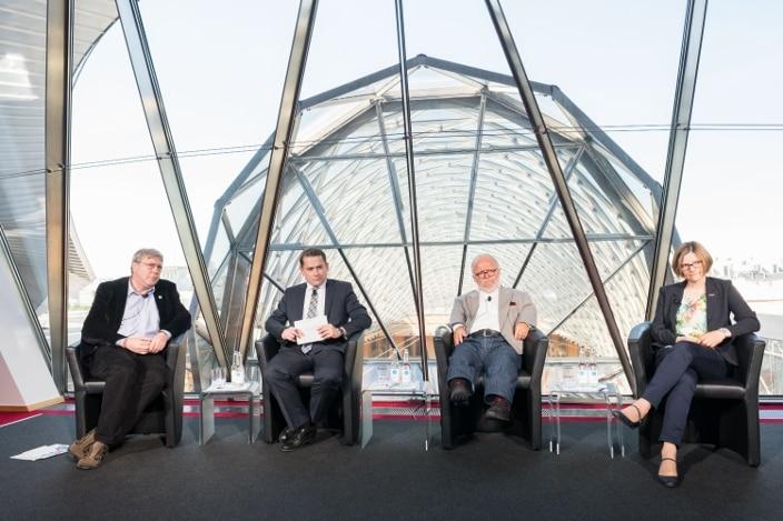 """Round Table: """"Inklusion – Das verschenkte Potenzial am Arbeitsplatz"""""""